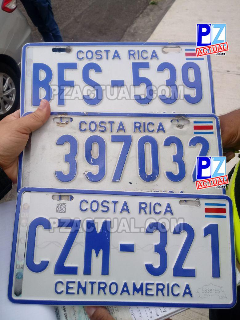 Placas que utilizaba para burlar a las autoridades www.pzactual.com